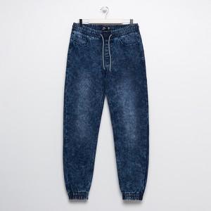 Jeansy Sinsay z jeansu