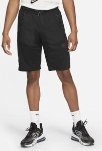 Czarne spodenki Nike w sportowym stylu