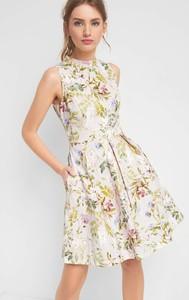 2c10d5d5e5 Wielokolorowe sukienki na wesele z tkaniny