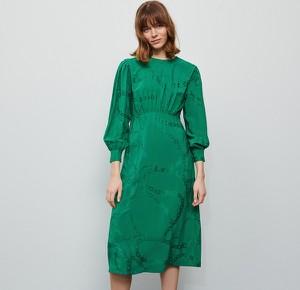 Sukienka Reserved midi z żakardu z okrągłym dekoltem