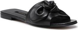 Czarne klapki Gino Rossi z płaską podeszwą