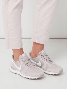 e2d3cc2a90875 Buty sportowe Nike ze skóry w młodzieżowym stylu