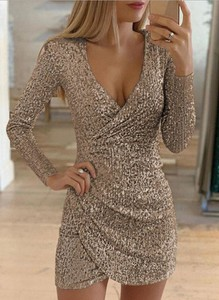 Sukienka Sandbella mini z dekoltem w kształcie litery v z długim rękawem