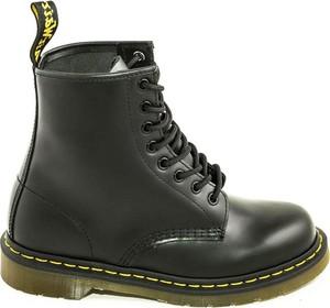 Czarne buty zimowe Dr. Martens sznurowane