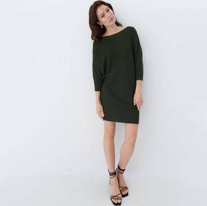 Zielona sukienka Mohito mini z okrągłym dekoltem w stylu casual