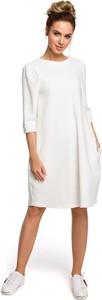 Sukienka Merg w stylu casual z okrągłym dekoltem