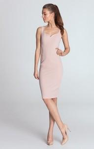 Różowa sukienka Merg midi dopasowana