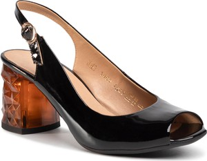 Czarne sandały Quazi na średnim obcasie ze skóry na obcasie