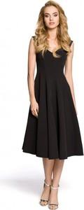 Czarna sukienka MOE z okrągłym dekoltem midi