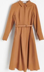Sukienka Reserved midi z długim rękawem szmizjerka