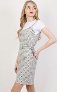 Sukienka Olika z krótkim rękawem midi z okrągłym dekoltem