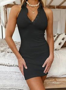 Czarna sukienka Sandbella mini na ramiączkach dopasowana