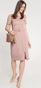 Różowa sukienka QUIOSQUE prosta