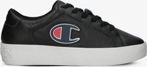 Czarne buty sportowe Champion sznurowane z płaską podeszwą w sportowym stylu