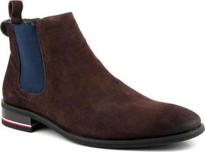 Brązowe buty zimowe Goe z nubuku