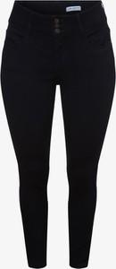 Granatowe jeansy ONLY Carmakoma