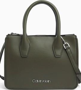 Zielona torebka Calvin Klein średnia do ręki