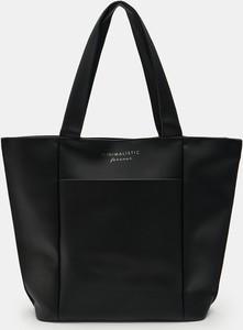 Czarna torebka Sinsay duża w wakacyjnym stylu matowa