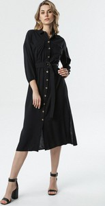 Sukienka born2be w stylu casual z długim rękawem
