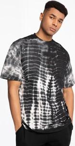 T-shirt Karl Kani z nadrukiem w młodzieżowym stylu