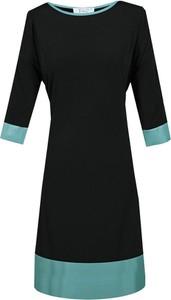 Czarna sukienka Fokus z długim rękawem z okrągłym dekoltem w stylu casual