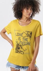 Żółta bluzka born2be z krótkim rękawem w stylu casual