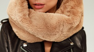 Brązowy szalik Smoke Furs