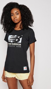 Czarny t-shirt New Balance z okrągłym dekoltem z bawełny