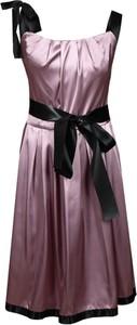 Różowa sukienka Fokus