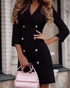 Czarna sukienka Kendallme z długim rękawem w stylu casual z dekoltem w kształcie litery v