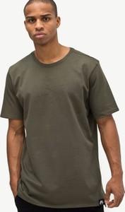 Zielony t-shirt Nike z krótkim rękawem
