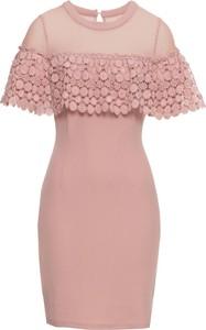 Różowa sukienka bonprix BODYFLIRT boutique dopasowana z okrągłym dekoltem