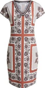 Sukienka OUI z dekoltem w kształcie litery v w stylu casual