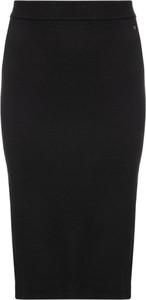 Spódnica Tommy Jeans midi w stylu klasycznym