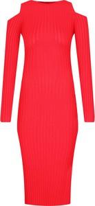Sukienka Guess dopasowana midi z długim rękawem