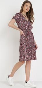 Sukienka born2be midi z dekoltem w kształcie litery v z krótkim rękawem