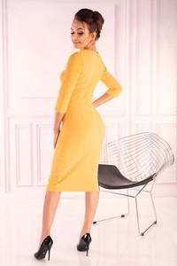 Żółta sukienka MERRIBEL w stylu casual z okrągłym dekoltem z długim rękawem