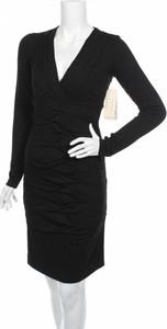 Sukienka Nicole Miller prosta w stylu casual z dekoltem w kształcie litery v