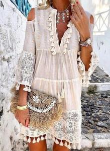 Sukienka Cikelly w stylu boho oversize z dekoltem w kształcie litery v