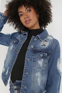 Niebieska kurtka born2be z jeansu krótka