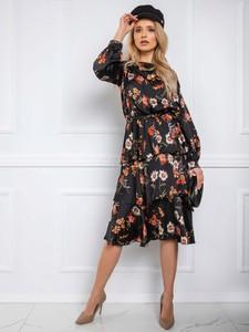 Sukienka Sheandher.pl z długim rękawem z okrągłym dekoltem midi