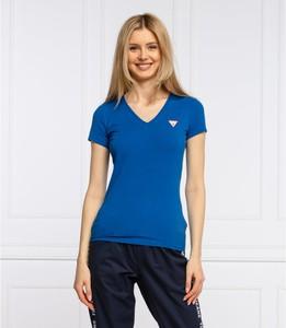 Niebieska bluzka Guess z krótkim rękawem z dekoltem w kształcie litery v