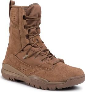 Brązowe buty zimowe Nike ze skóry sznurowane