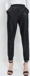 Czarne spodnie Mohito ze skóry