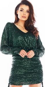 Zielona sukienka Awama z dekoltem w kształcie litery v