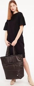 Czarna sukienka Byinsomnia midi w stylu casual z krótkim rękawem