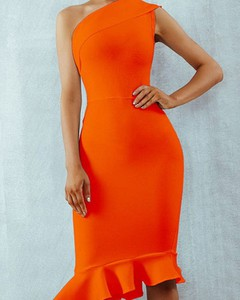 Pomarańczowa sukienka Kendallme z okrągłym dekoltem