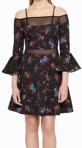 Czarna sukienka Guess hiszpanka mini