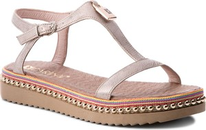 Różowe sandały Carinii z klamrami ze skóry na platformie