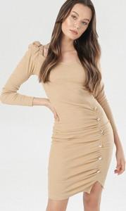 Sukienka born2be z okrągłym dekoltem z długim rękawem mini